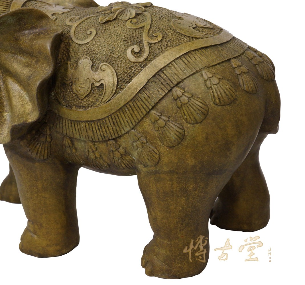 Chinese Antique Carved Bronze Elephant Statue 28xh75